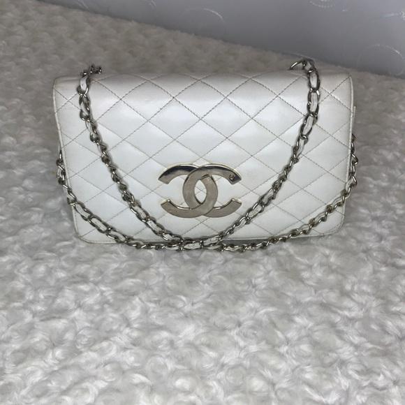 e4b5dfa94082 CHANEL Handbags - Auth vintage Chanel Quilet xl logo single flap bag